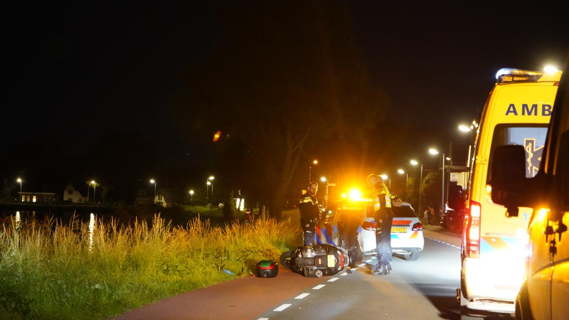 Traumahelikopter landt voor gewonde motorrijder in Koedijk