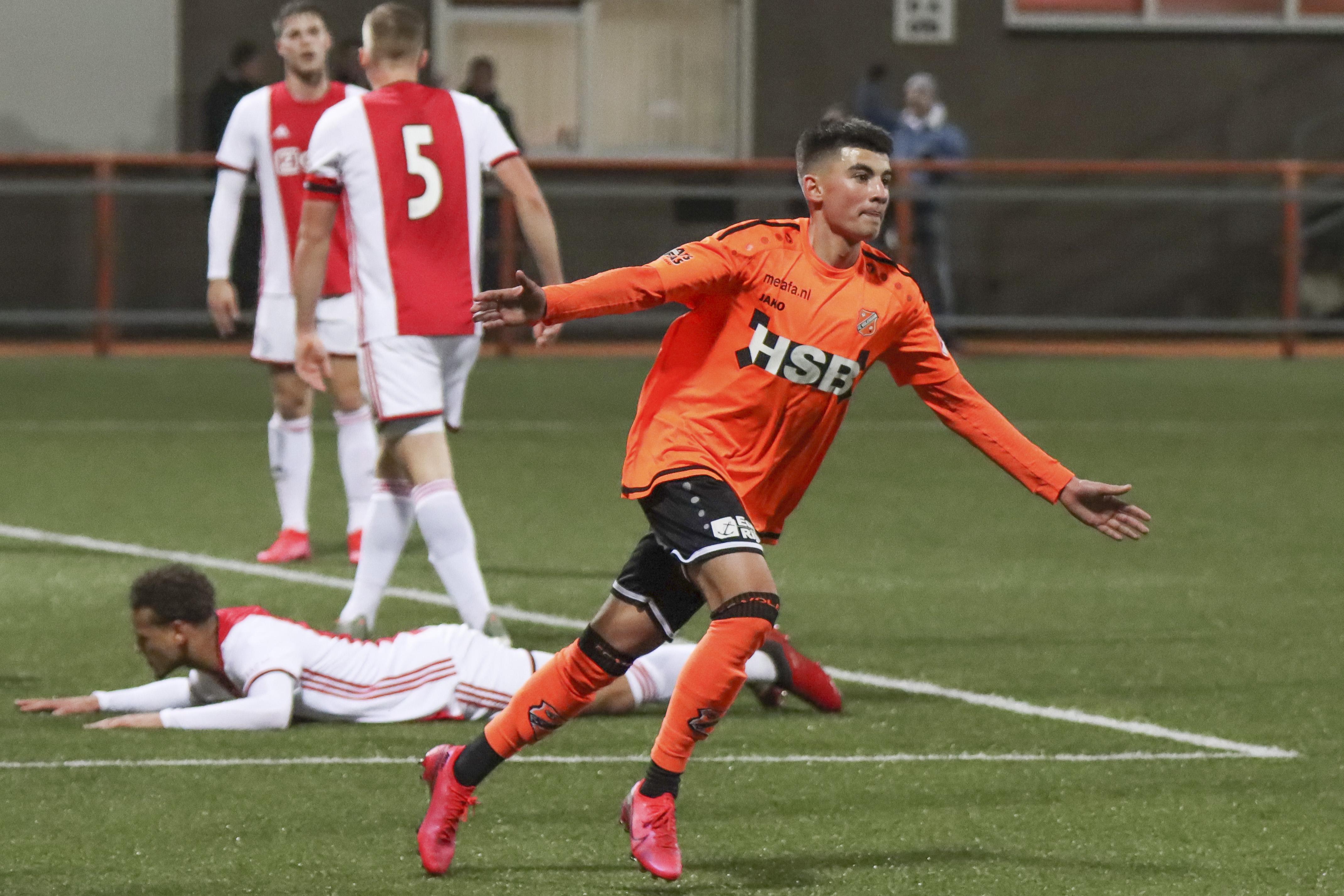 Na vier minder resultaten zet FC Volendam Jong Ajax op overtuigende wijze opzij: Eindelijk weer feest in de kleedkamer