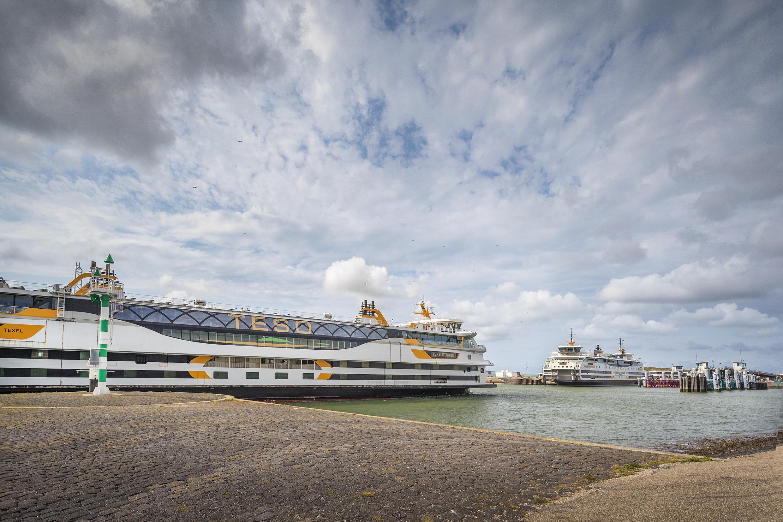 Kabinet schiet veerdiensten naar Waddeneilanden te hulp; TESO hoeft nog geen gebruik te maken van steun