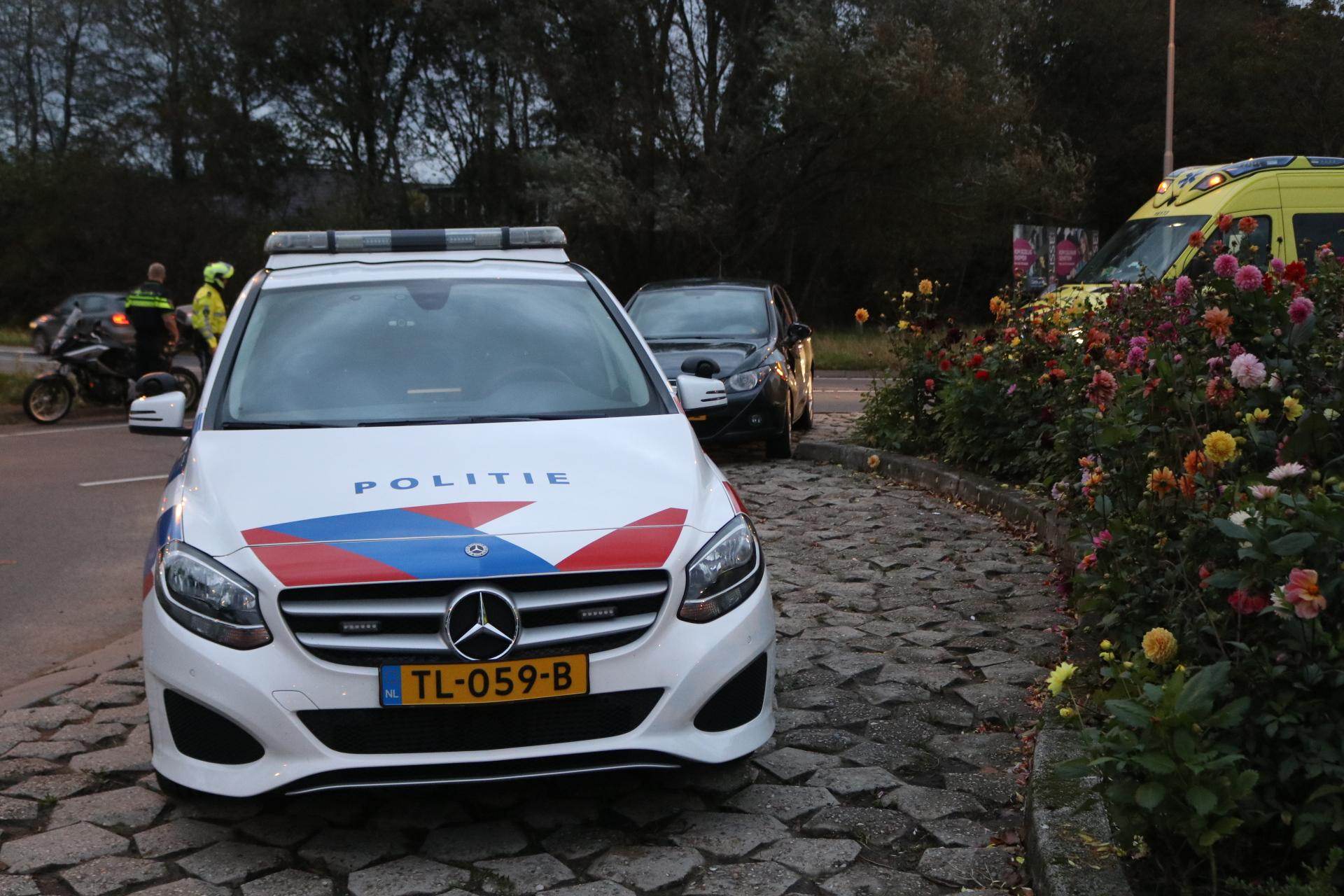 Motorrijder gewond bij botsing met auto op rotonde N208 in Lisse