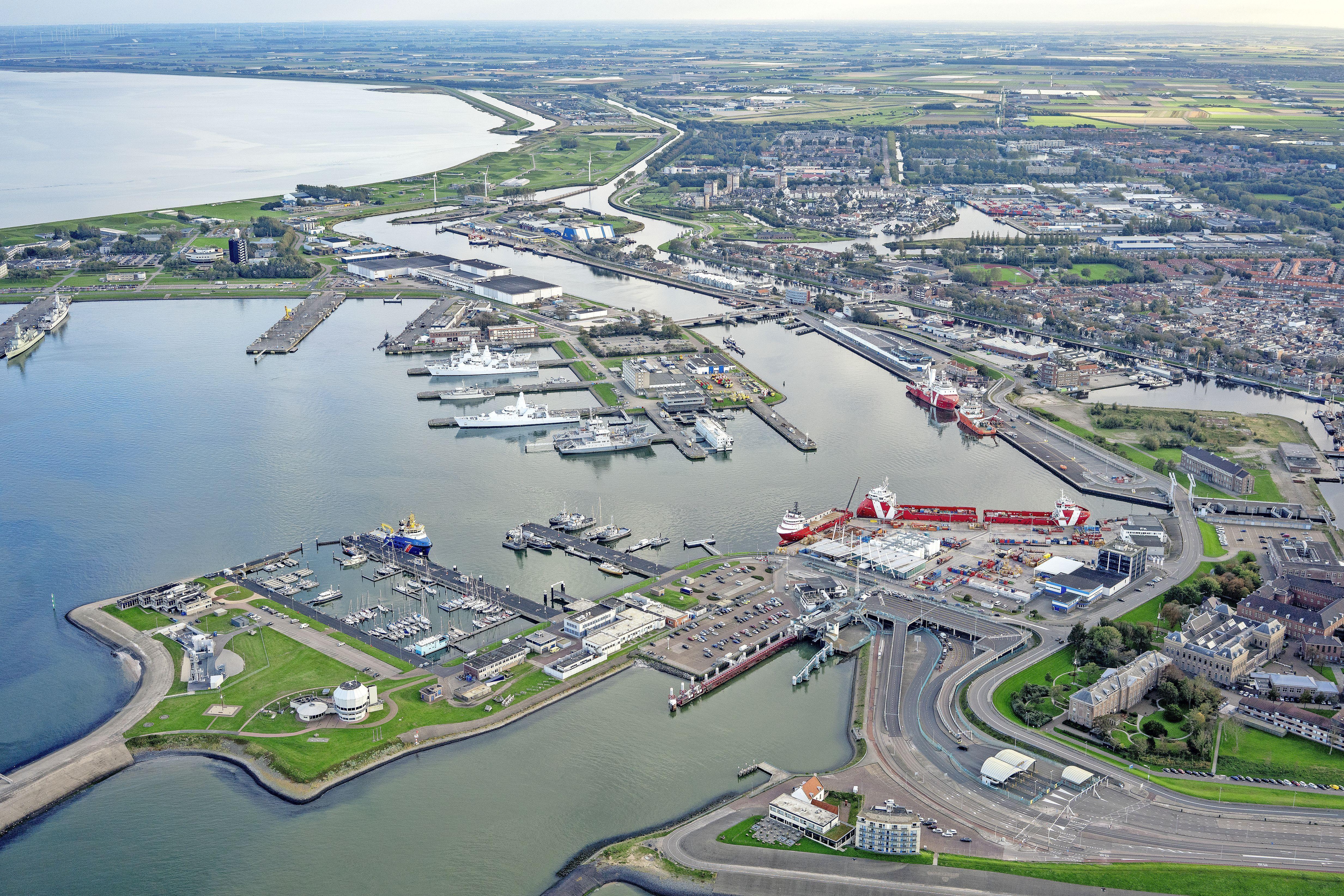 Publiek is niet welkom bij vergaderingen van de begeleidingscommissie onderzoek Port of Den Helder. De gemeenteraad bewijst zichzelf en de stad daarmee geen dienst | Opinie