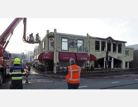 'Hotel en woningen op plek door brand verwoest IJmuidens grand café La Belle'