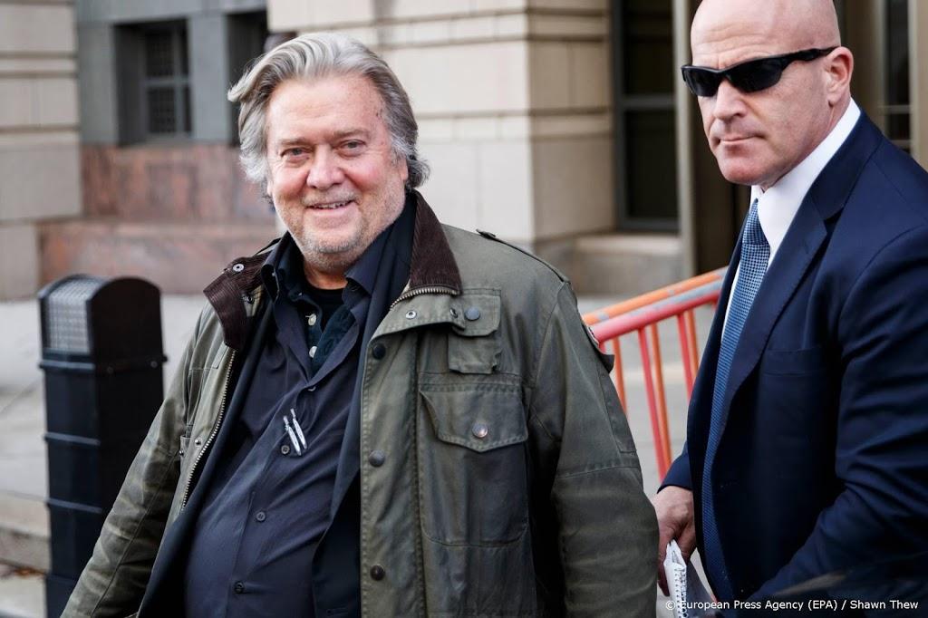 Trump verleent tientallen mensen gratie, onder wie Steve Bannon