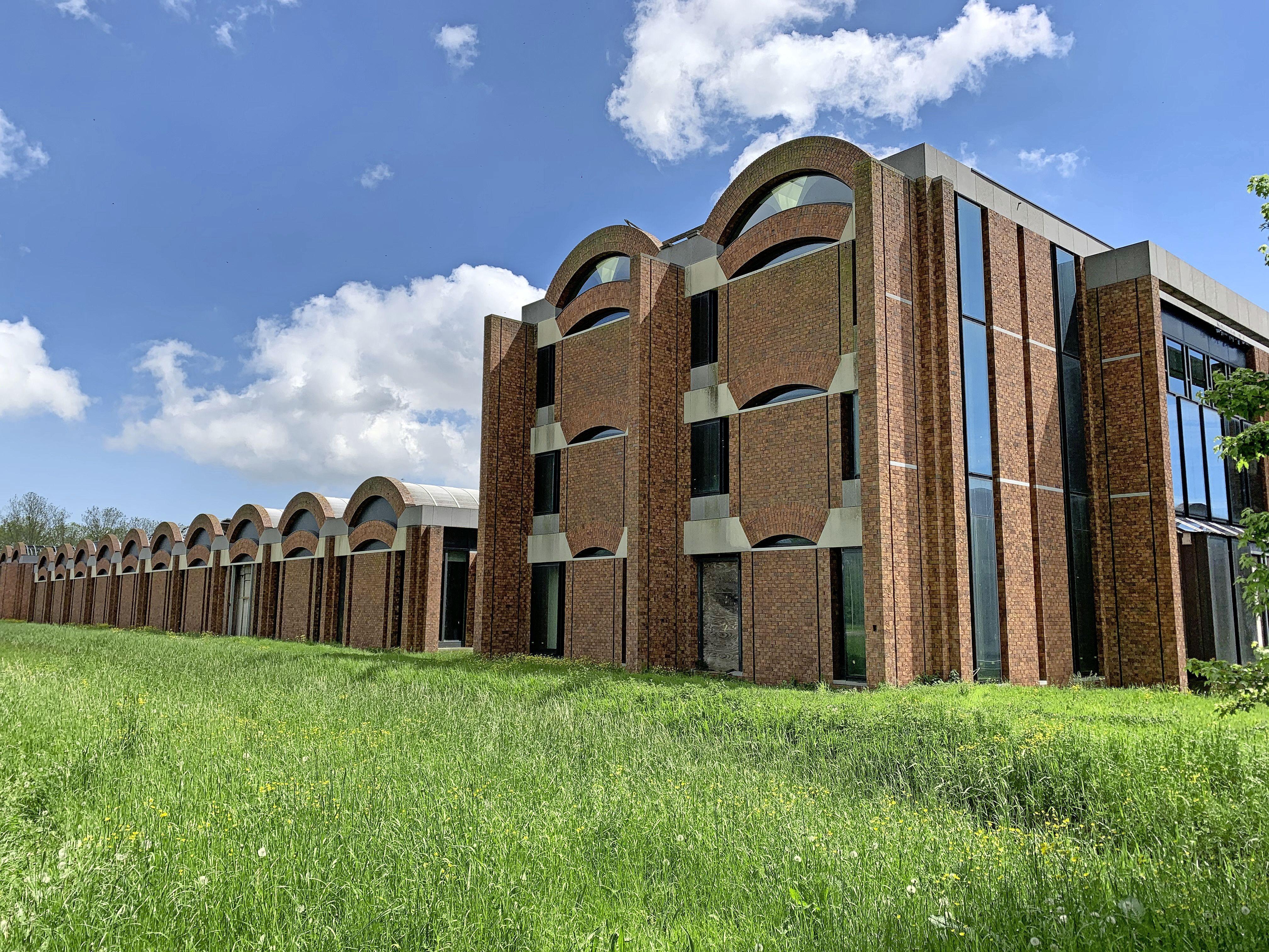 'Betaalbare huurwoningen voor jongeren in Scheringa Museum'. Eigenaar kondigt grootse plannen aan in centrum Opmeer
