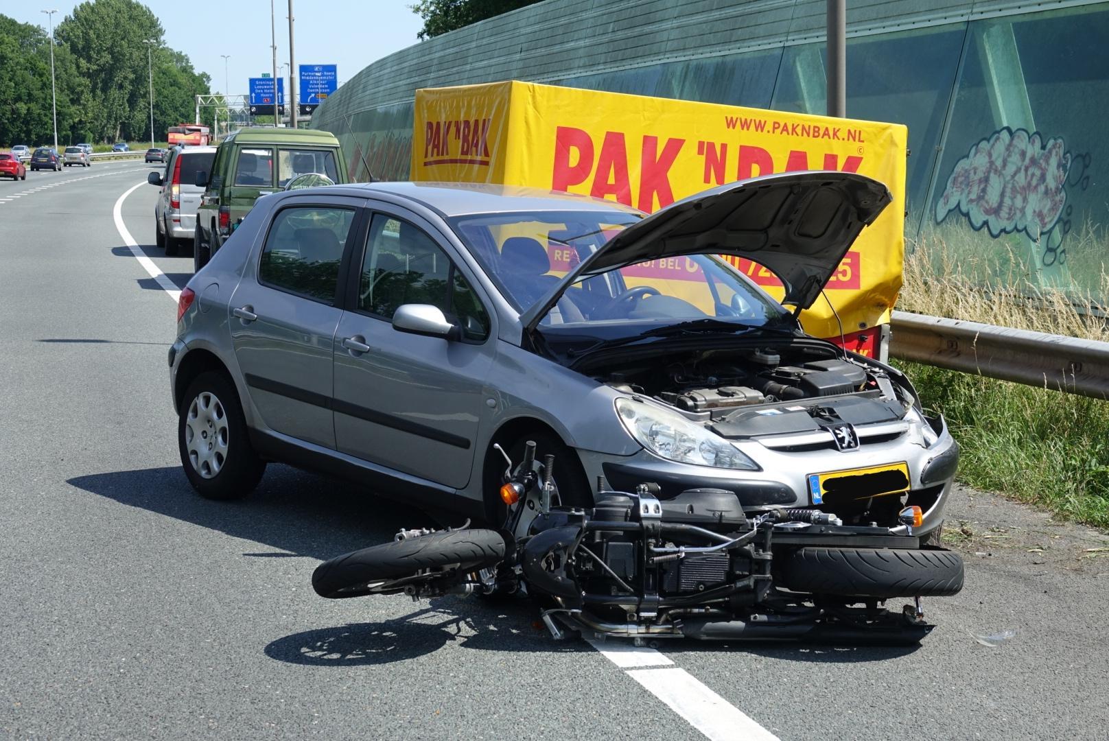 Motorrijder gewond bij ongeval met meerdere voertuigen op A7 bij Zuidoostbeemster