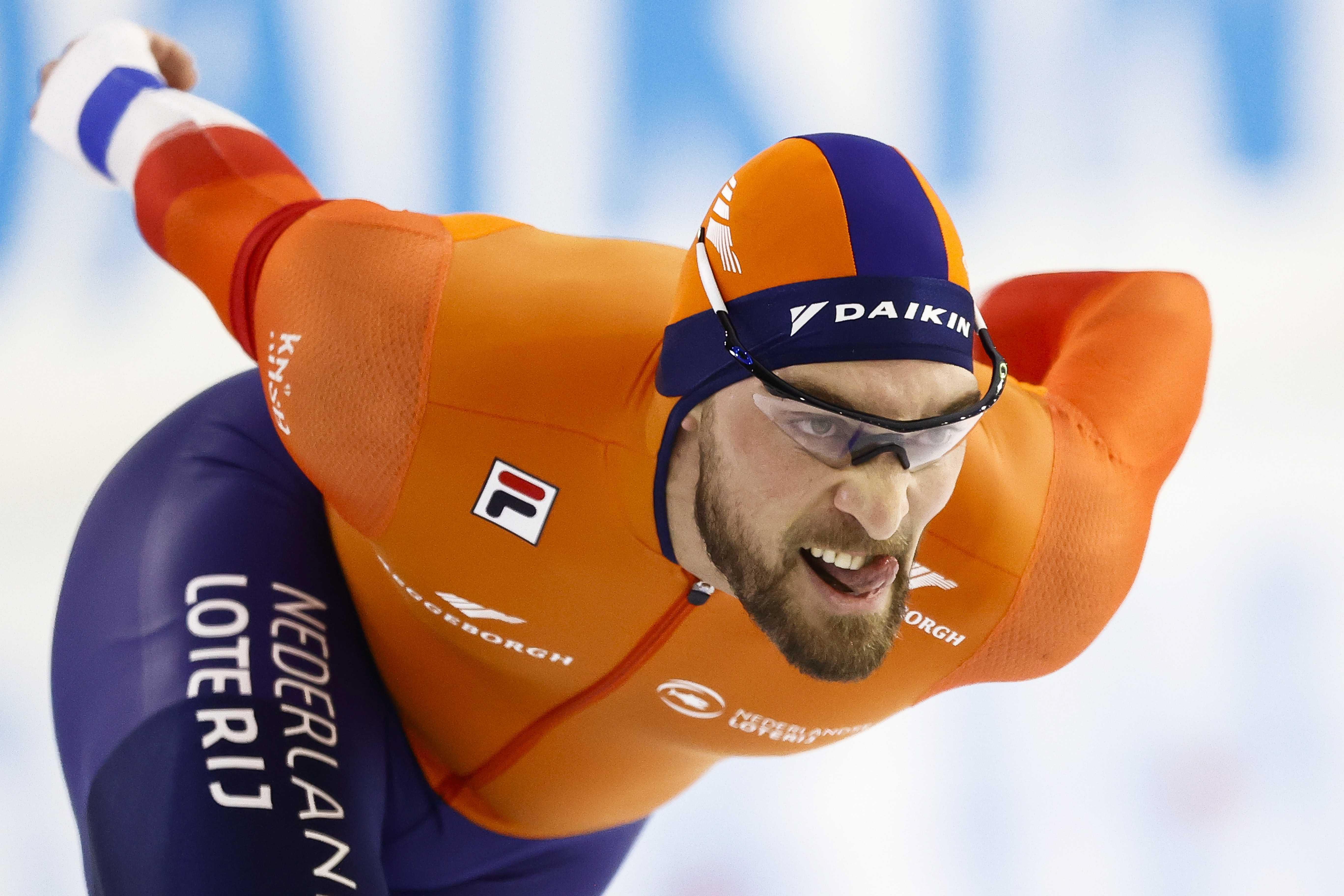 Kjeld Nuis redt gedeeltelijk verloren seizoen. Zoeterwoudse schaatser onttroond als wereldkampioen op 1500 meter, maar nog wel tweede achter Thomas Krol