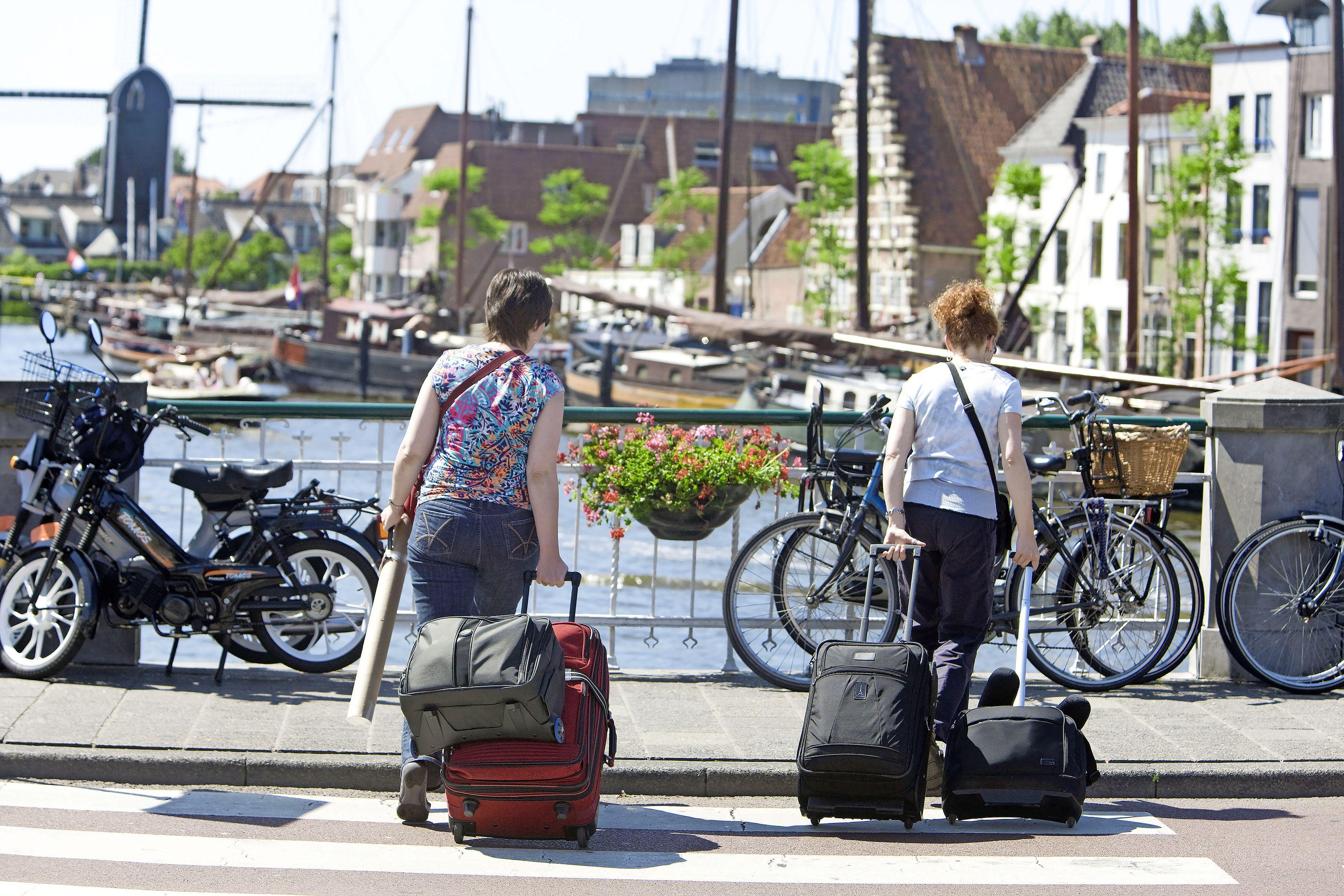 De paden op, de lanen in; Leiden stimuleert wandelen