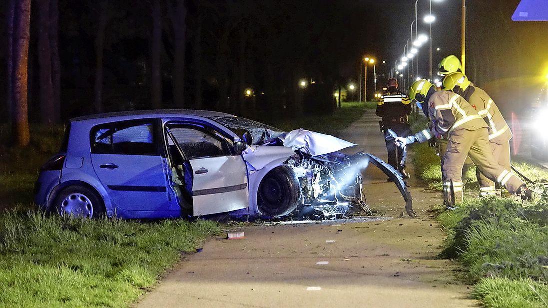 Politie onderzoekt crash in Zwaagdijk-Oost, nog geen aanhoudingen