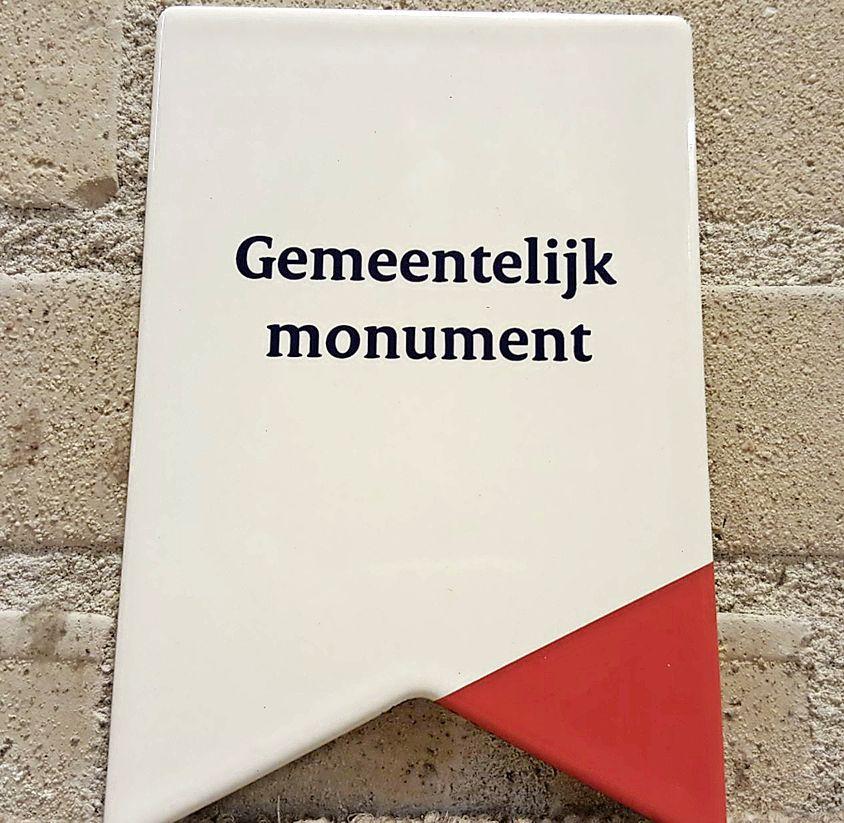 Gratis monumentenschildje voor Heemskerkers met monumentale panden 'voor de uitstraling en zichtbaarheid'