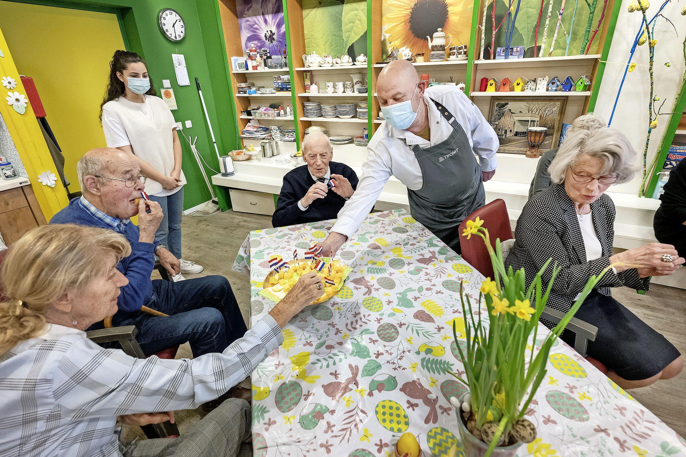 Speciale kaas voor het goede doel: ouderen van Bloemenstroom willen een studioalbum opnemen