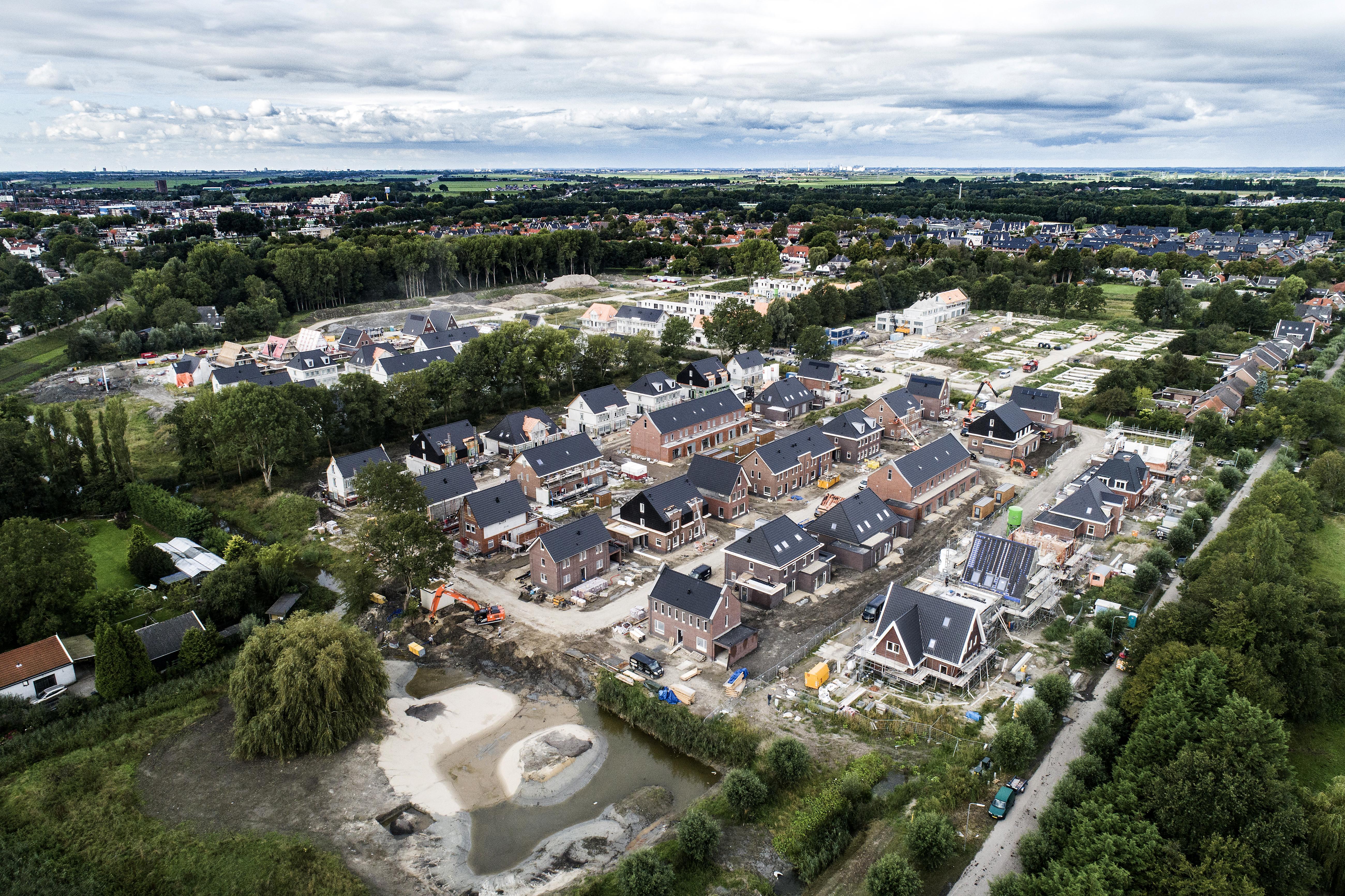 Zwembad Wilgenhoek is nog slechts herinnering (luchtfoto)