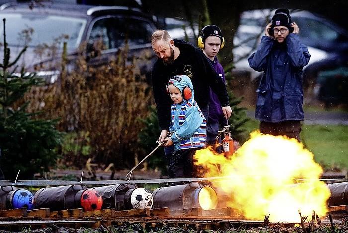 Leiden verbiedt carbid, in december en januari
