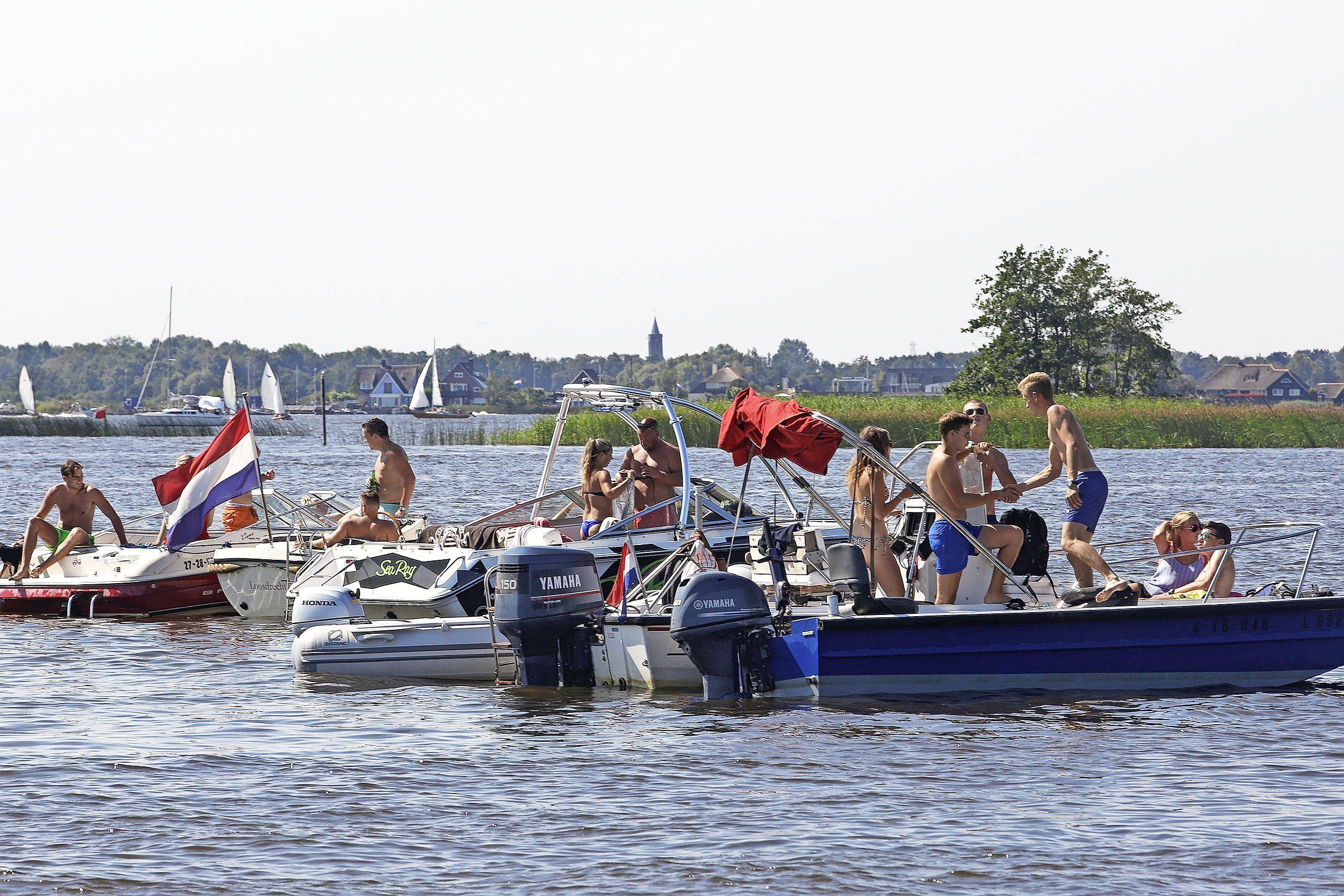 Loosdrecht door corona weer prominent op de kaart als watersportdorp: wachtlijsten voor een bootje, prijs ligplaats stijgt