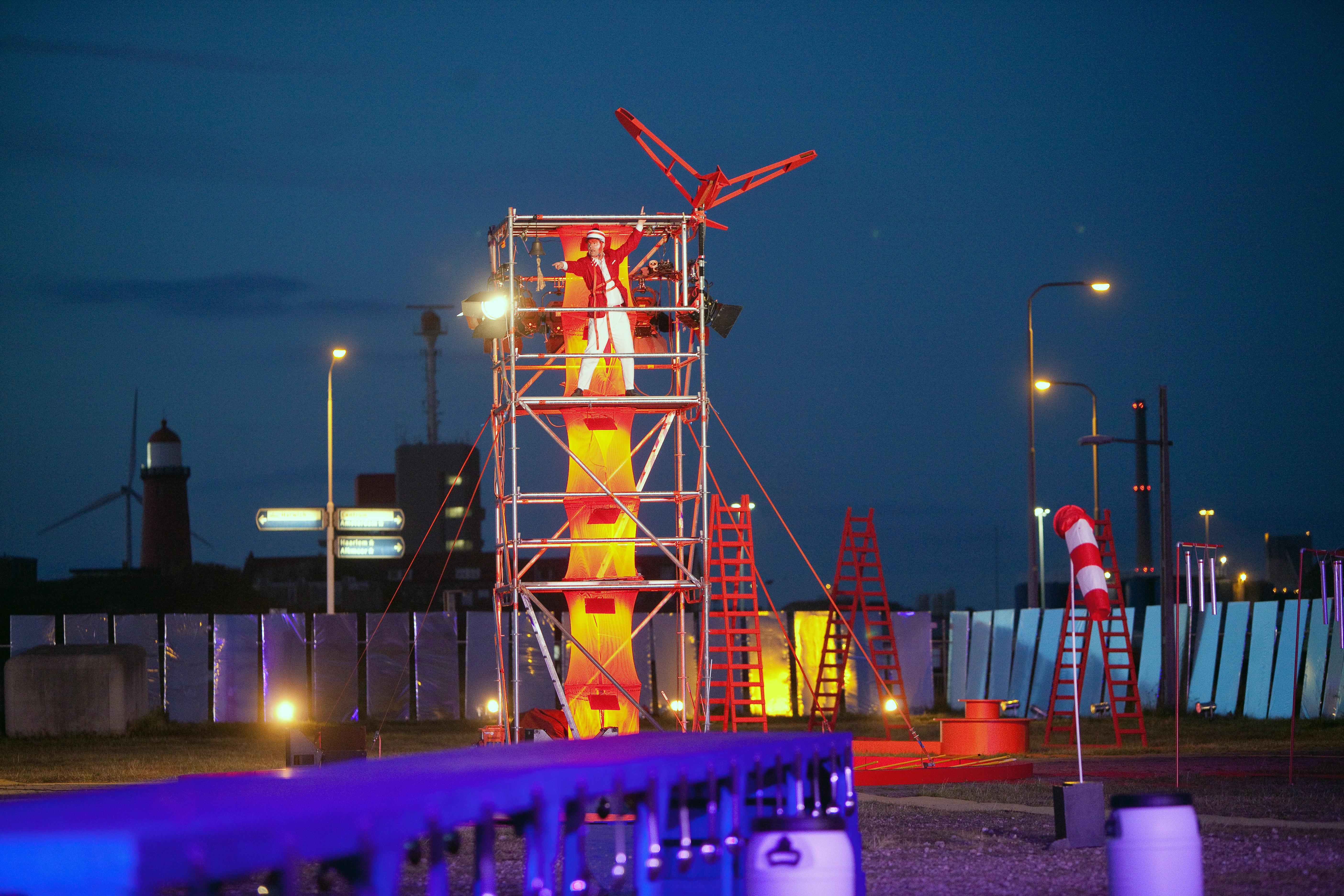 Theatermanifestatie IJmond 2021 wordt 'spannende' aflevering midden in Beverwijkse centrum: liefst 150 vrijwilligers uit de regio doen mee. Hoe doen ze dat in coronatijd?