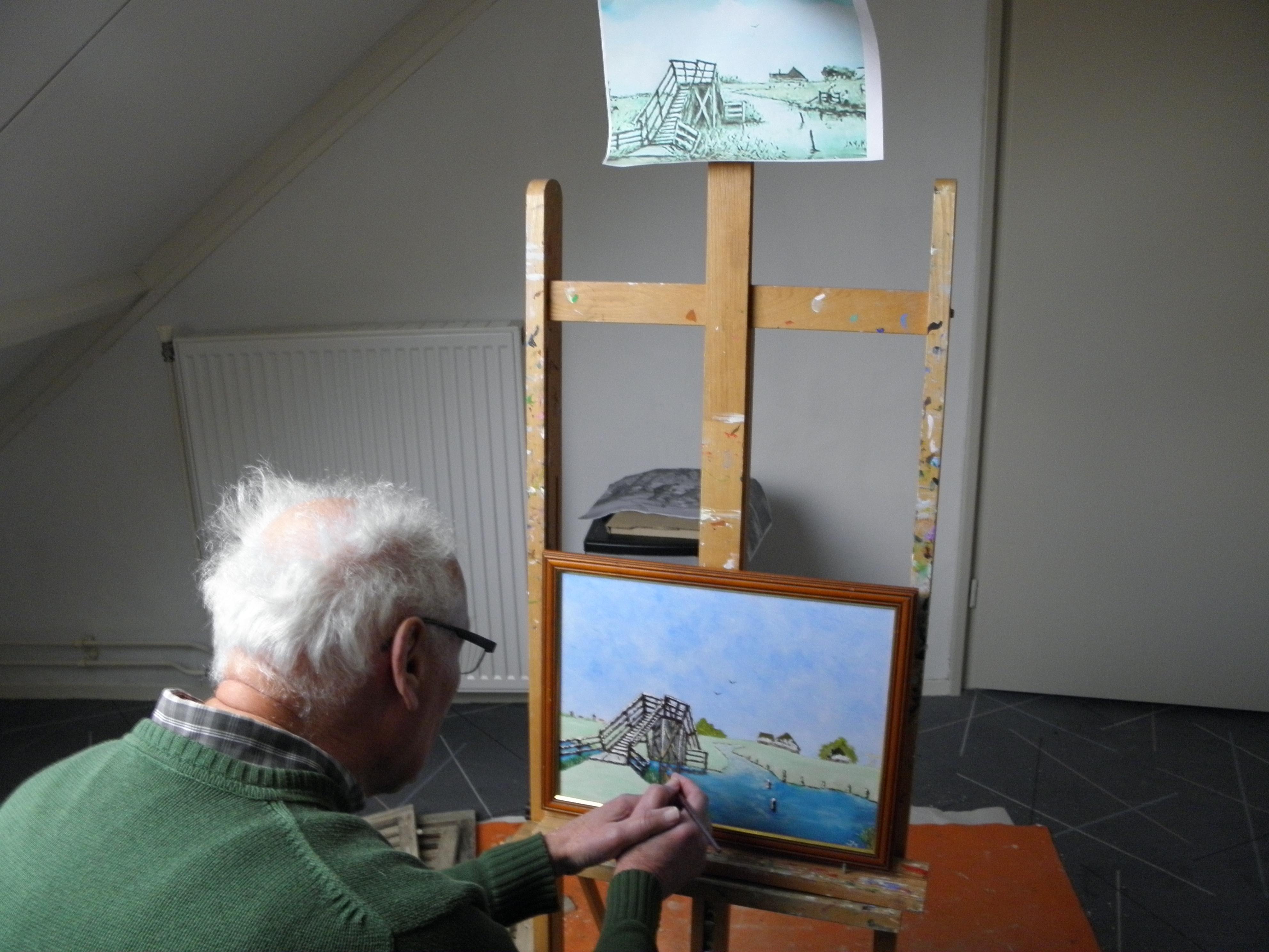 Schilder Johan Scheffer geeft een beeld van het vroegere Schagen. Hij kwam er 46 jaar terug wonen. 'Op veel schilderijen zie je de grote hoeveelheid water terug'