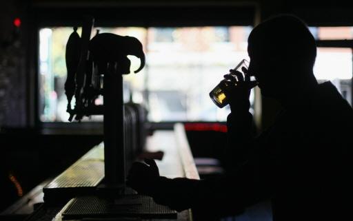 Vooral cafés en zaalbedrijven door nieuwe coronaregels de klos. 'Restaurants missen hooguit de naborrel of irish coffee'