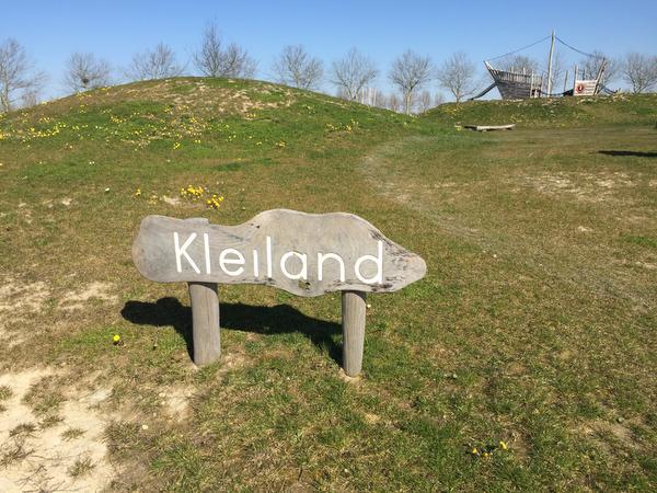 Laarzen mee naar speeltuin Kleiland in Park21Hoofddorp