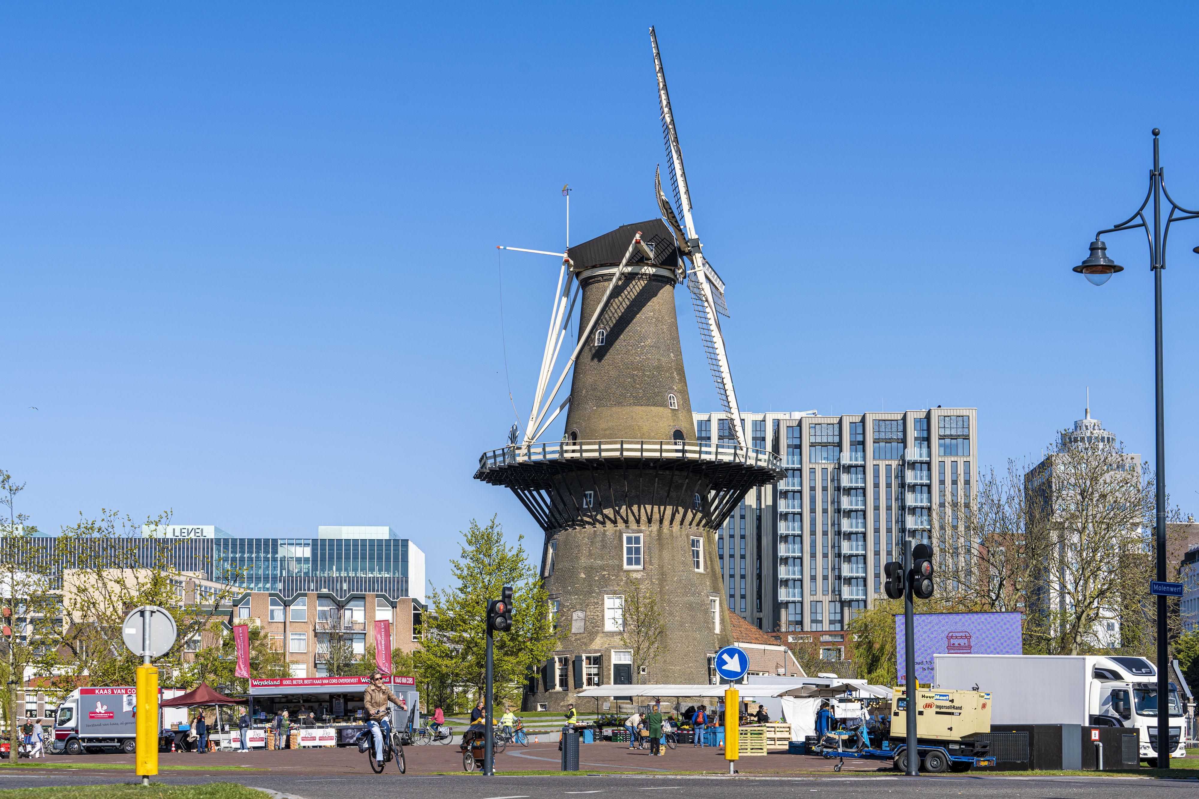 Burgemeester Leiden: woensdagmarkt nog minimaal vier weken op Lammermarkt