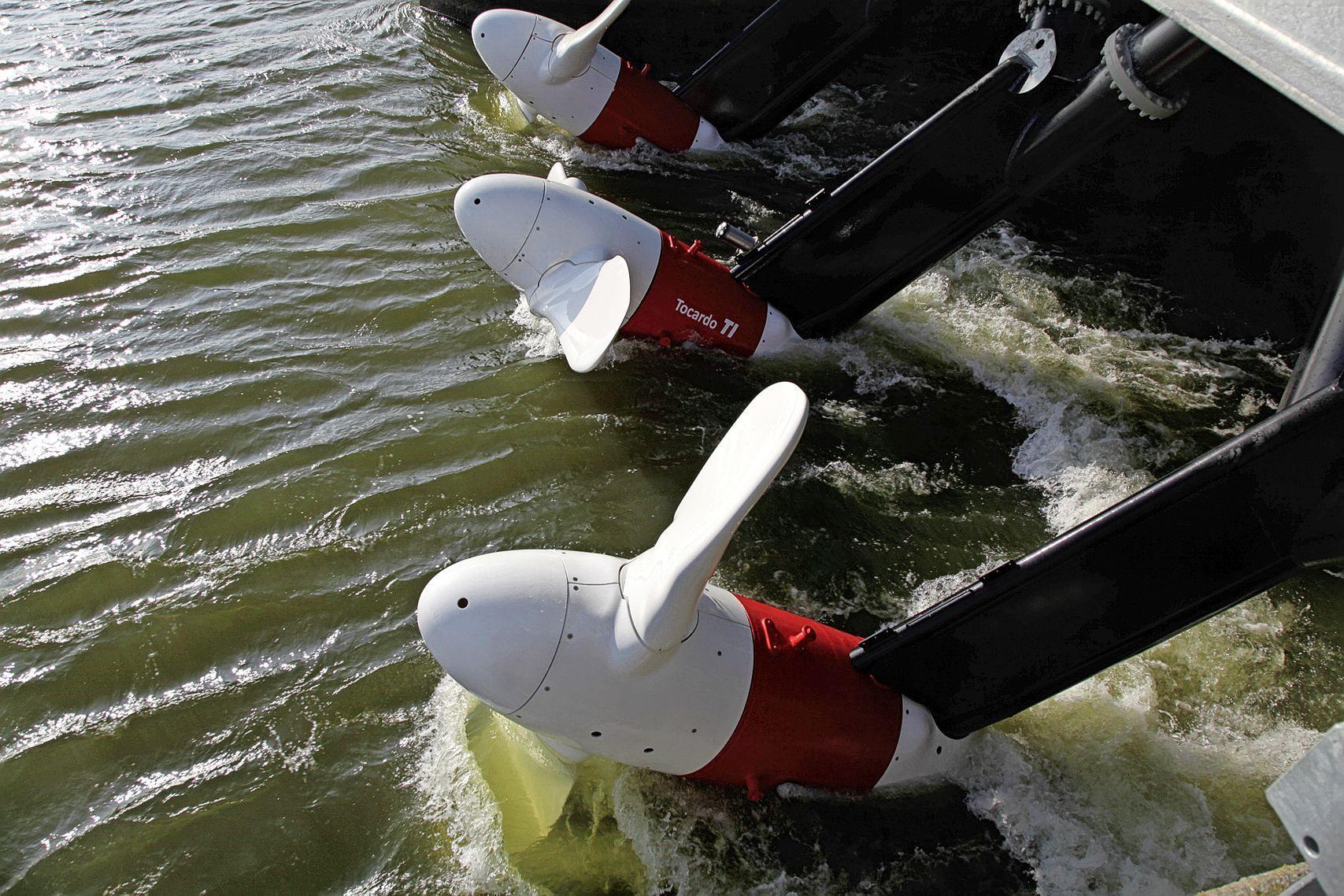 Getijdenturbines van Tocardo naar onderwaterplatform op Engelse zeebodem. Bedrijf in Wieringerwerf neemt weer werknemers aan