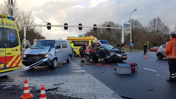 Drie personen gewond bij aanrijding op kruising Alkmaar