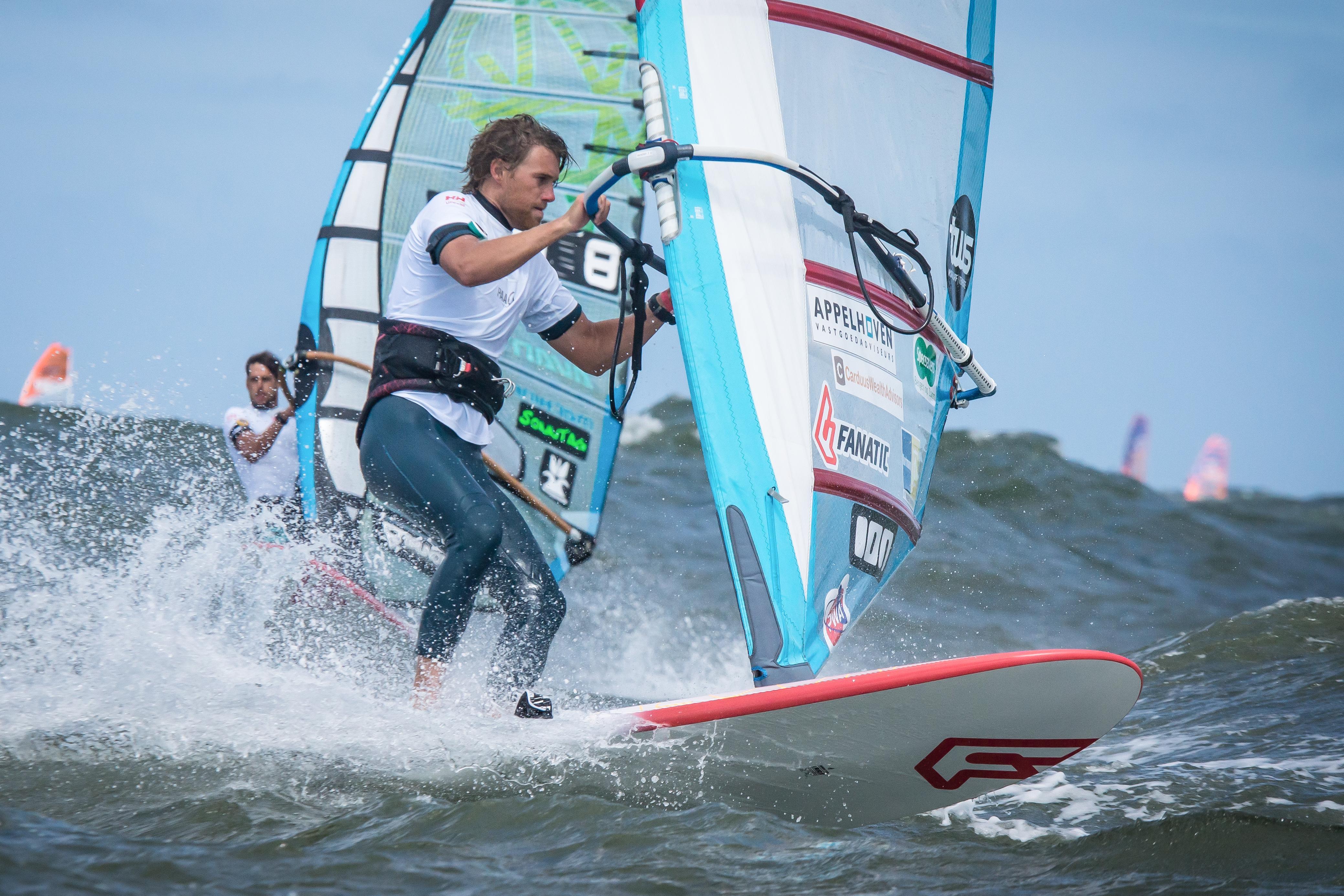 Windsurfer Jordy Vonk op eigen houtje richting wereldtop [video]