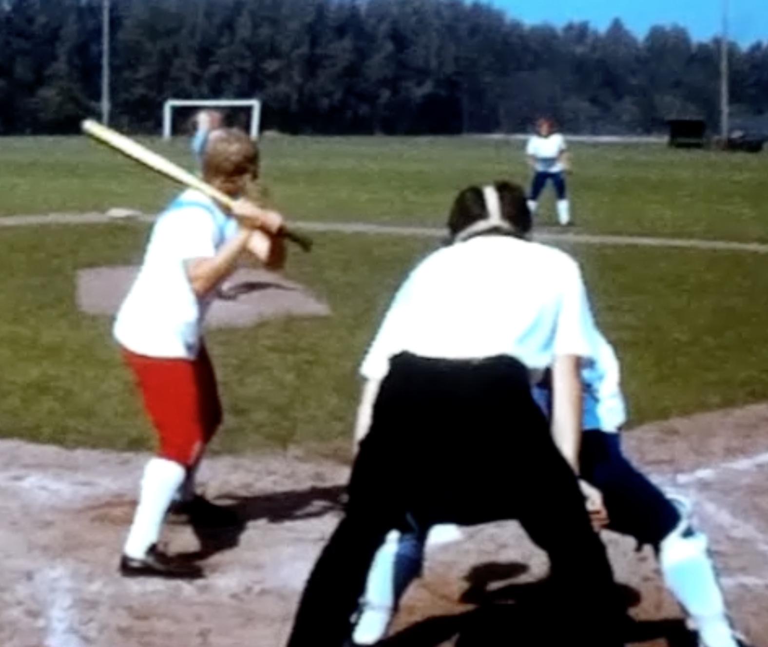Bewegend Verleden: softbalwedstrijd DSS, 1973 [video]