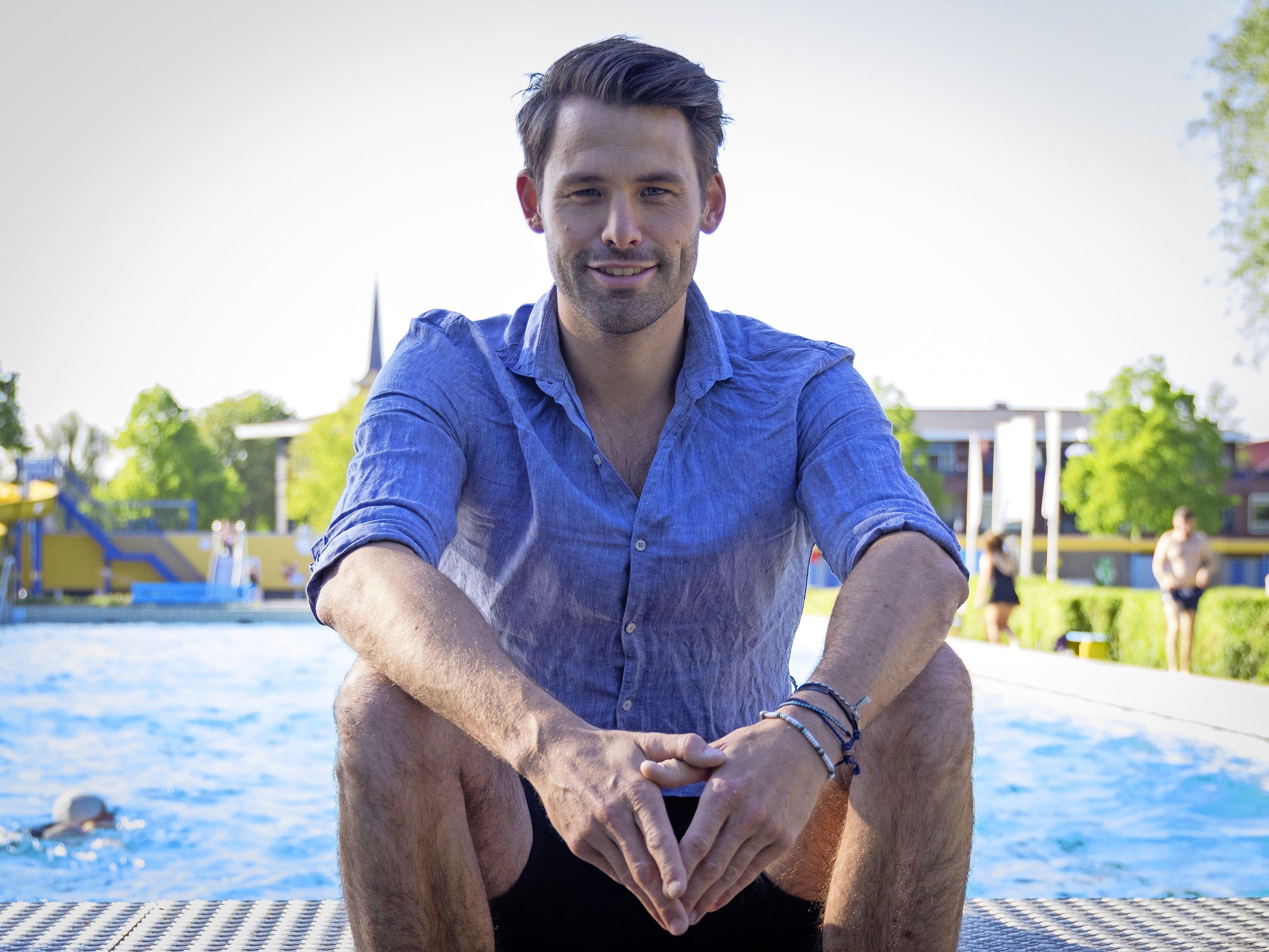 Joost Reijns haalde vaak de media door zijn prestaties in het water. Toch ging het ook vaak over zijn veel zwaardere strijd buiten het zwembad: tegen teelbalkanker