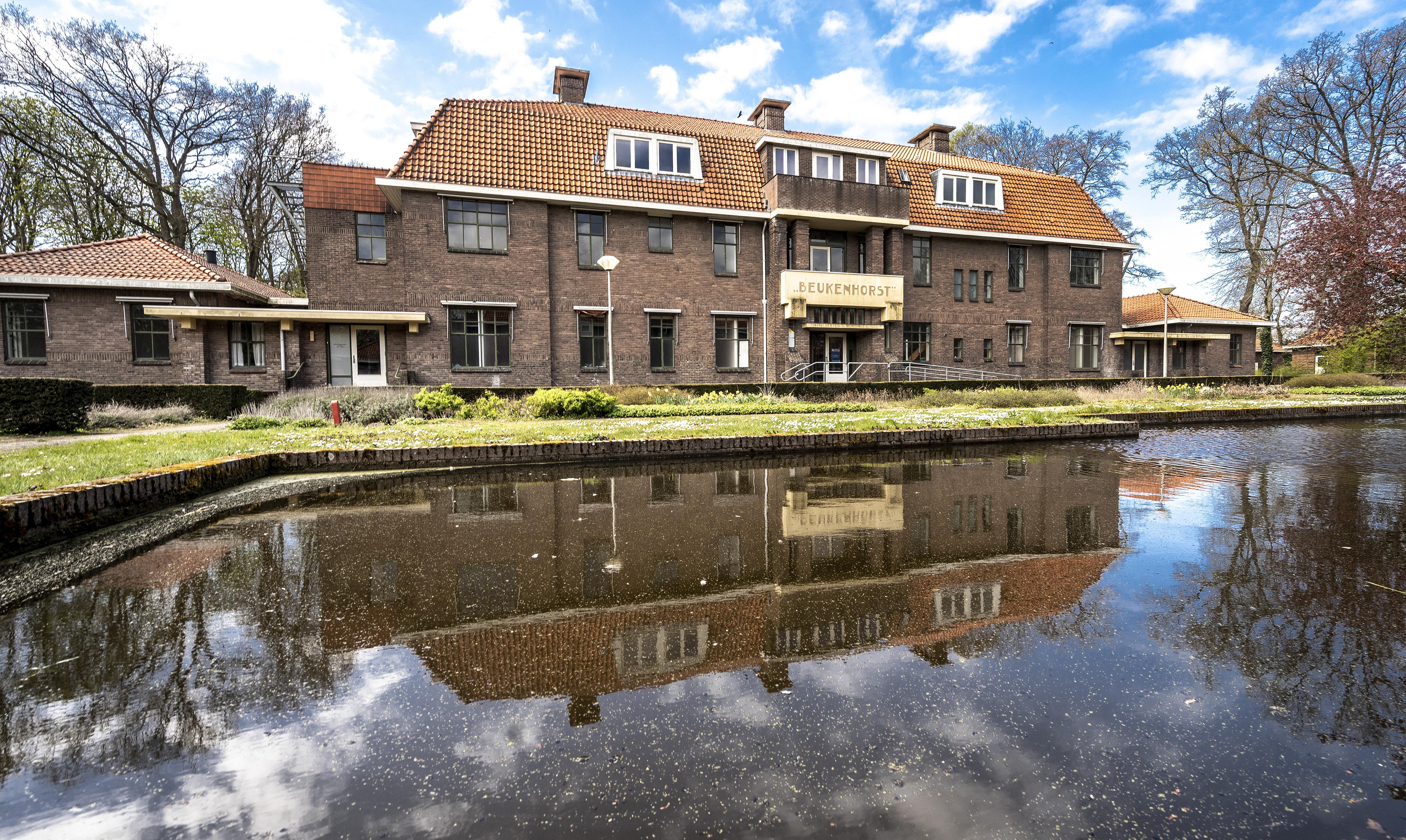 Vragen over langdurige leegstand gebouwen op Park Vogelenzang. 'Waarom', vragen sommige Bennebroekers zich af