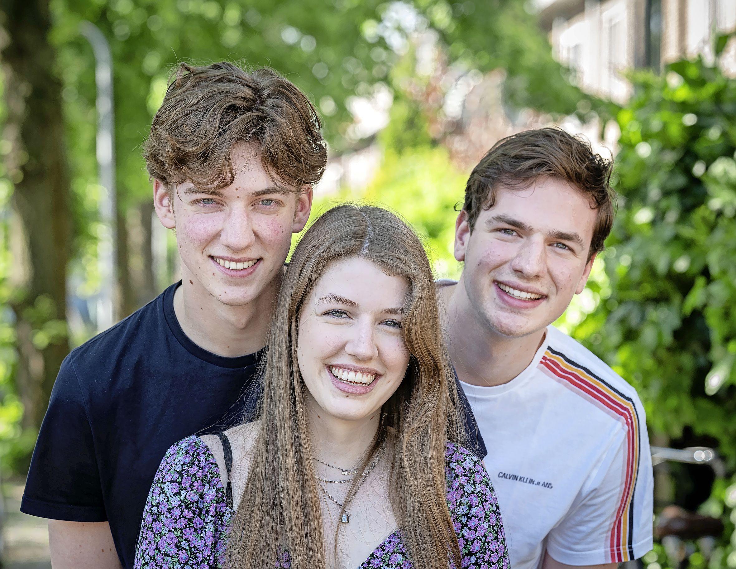 Drie examenkandidaten binnen één gezin. Van rivaliteit tussen Thom (19), Gijs (18) en Floor (16) is geen sprake. 'Ik hoop dat we allemaal slagen'