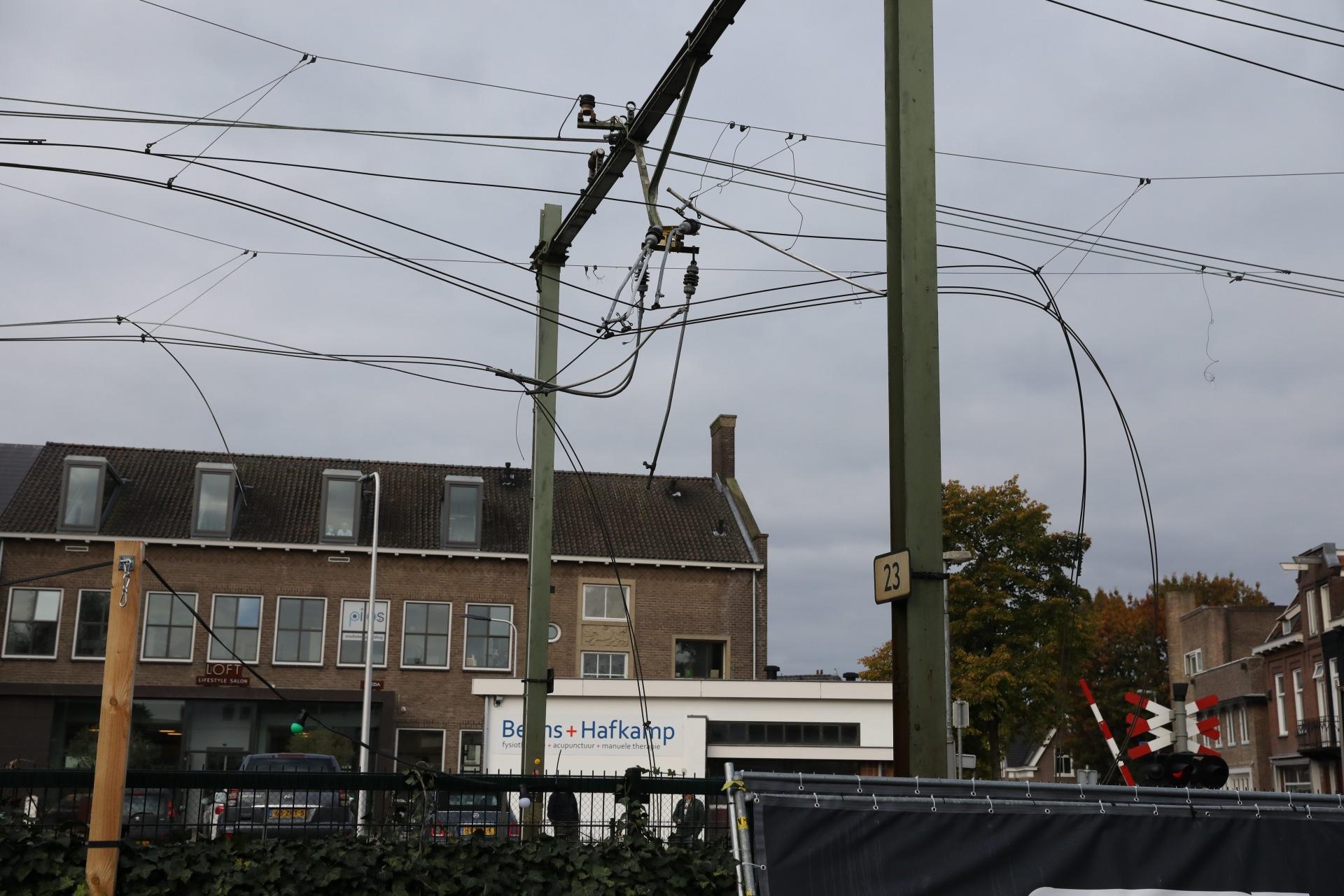 Treinverkeer rond Naarden-Bussum nog steeds stil. 'Treinen zullen om half elf weer rijden'
