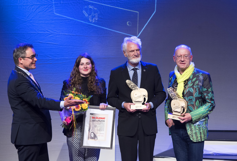 Lof voor Nop Maas, Harry Swaak en Demi Baltus bij uitreiking Olifant