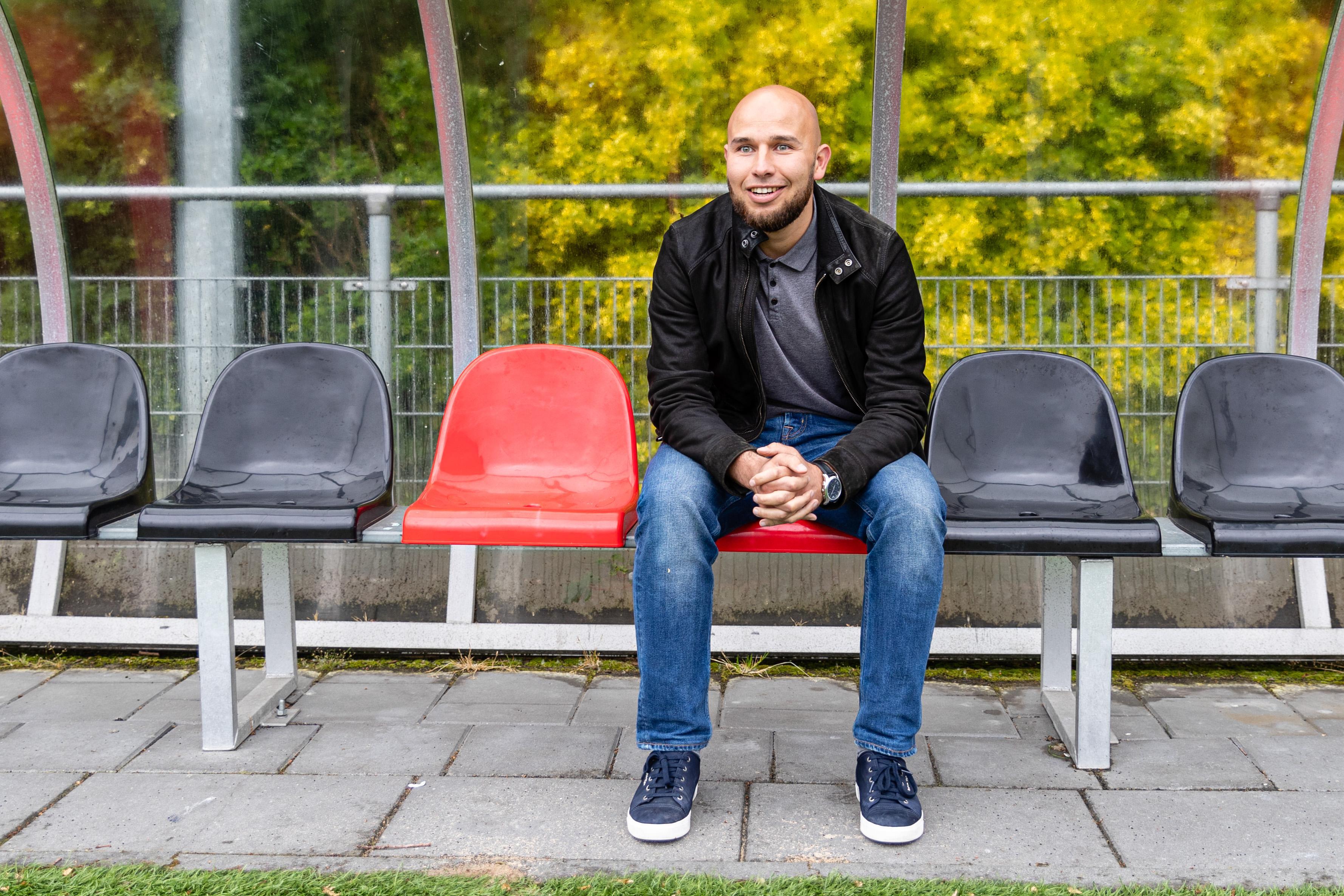 Voetbaltrainer Mo el Bouziani kiest bewust voor club buiten West-Friesland: 'Dat leek mij goed voor mijn ontwikkeling, Purmersteijn heeft een jonge spelersgroep en dat ligt mij wel'