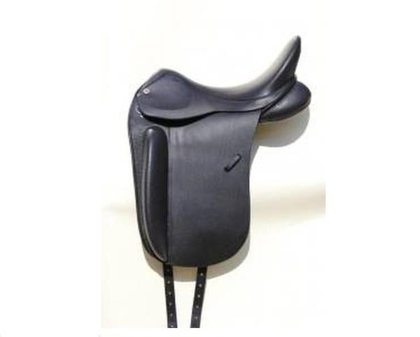 Paardenstal Maartensdijk vanaf A27 leeggeroofd