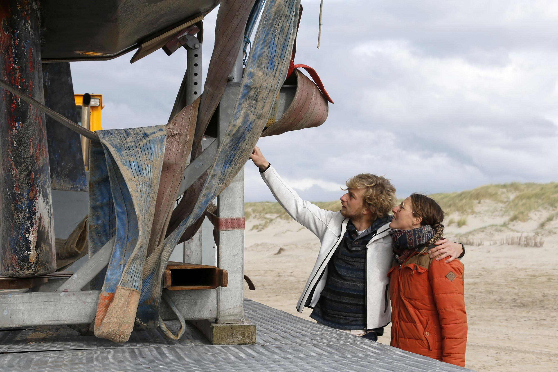 'Ineens sloegen we om'; zeilpaar Imke en Stefan overleeft nachtmerrie voor de kust van Petten. Maar toen werd ook nog hun boot geplunderd