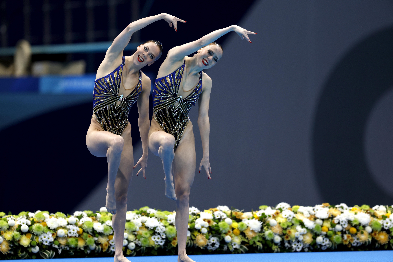 Synchroonzwemsters De Brouwer in Tokio negende in finale duetten