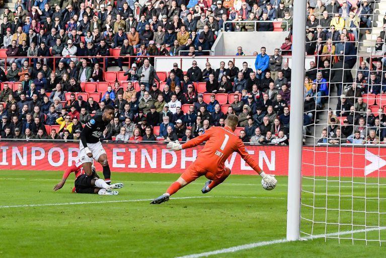 Bekijk hier de doelpunten van AZ, Volendam, Telstar en Ajax [video's]
