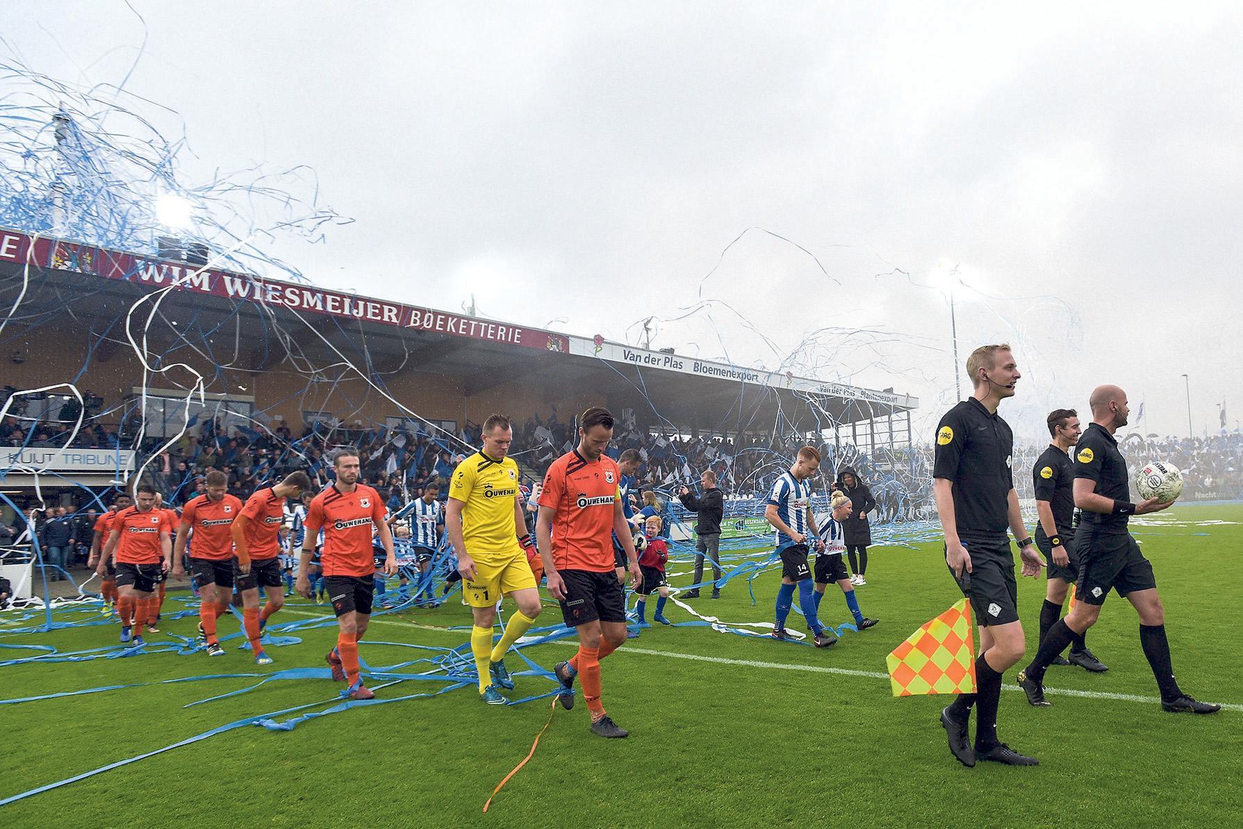 Nieuwe maatregelen zorgen waarschijnlijk voor gewenste uitstel van Katwijkse voetbalderby: 'Wij kunnen onze mening geven, maar het woord is aan de overheid'