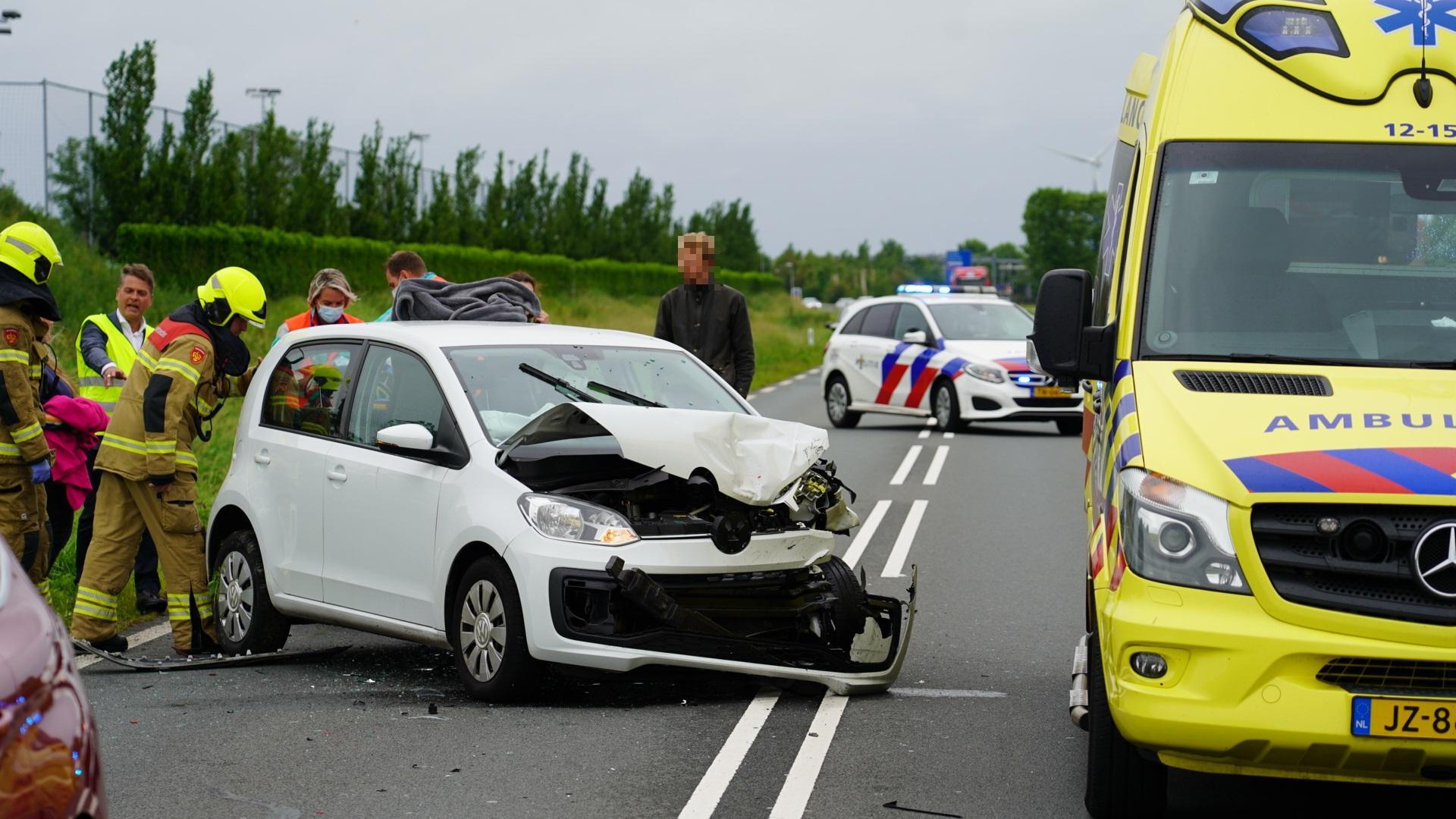 Automobilist klapt op voorligger en raakt gewond op N203 tussen Castricum en Uitgeest