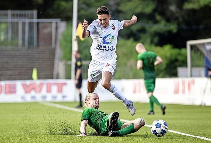 Vier treffers voor Richelor Sprangers in oefenwedstrijd van Telstar tegen Hollandia