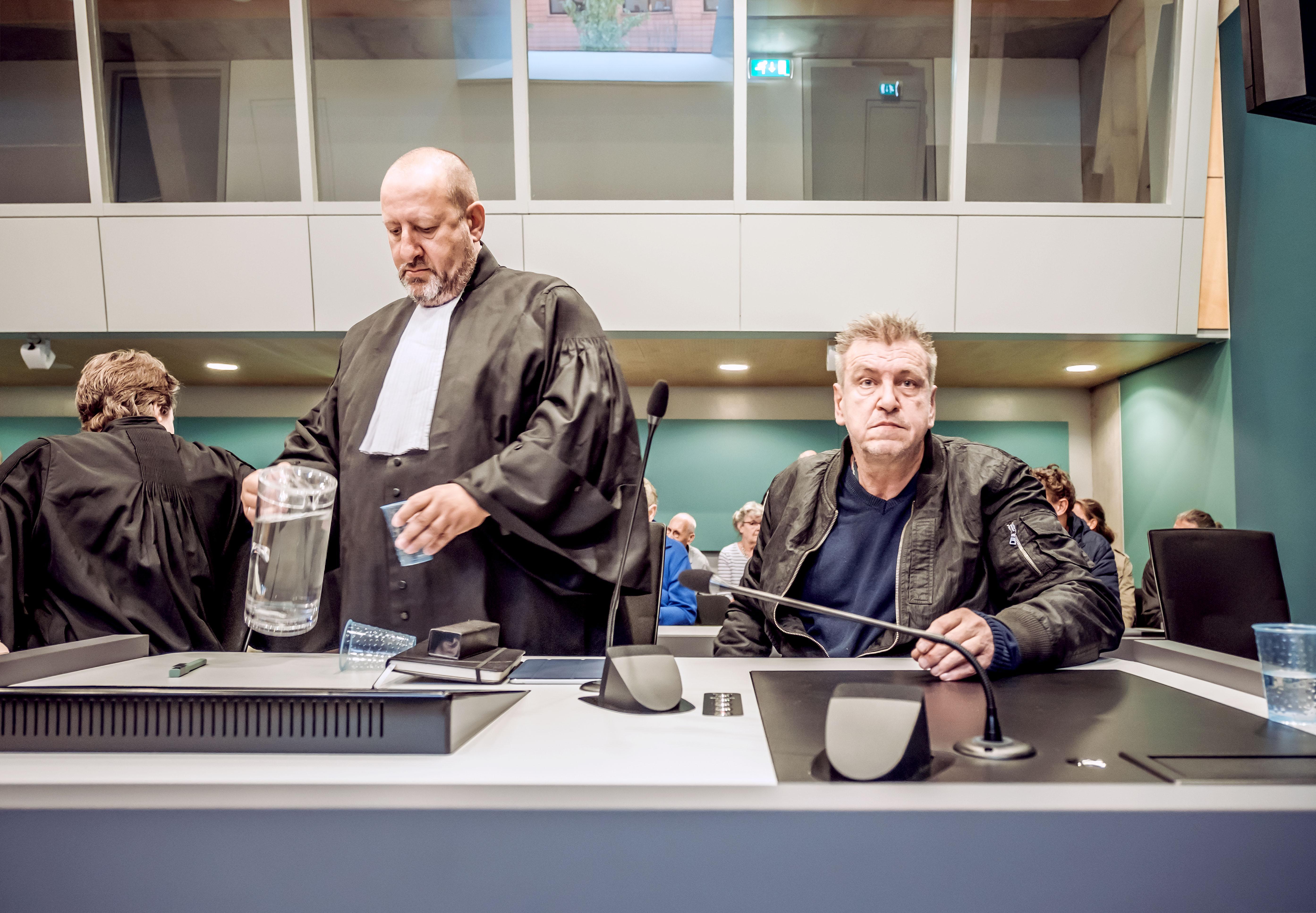 Rob Scholte bijt terug nadat Den Helder dreigt zijn kunst te verkopen: Hij wil beslag leggen op de rekeningen van de gemeente. 'En mijn claim is groter'