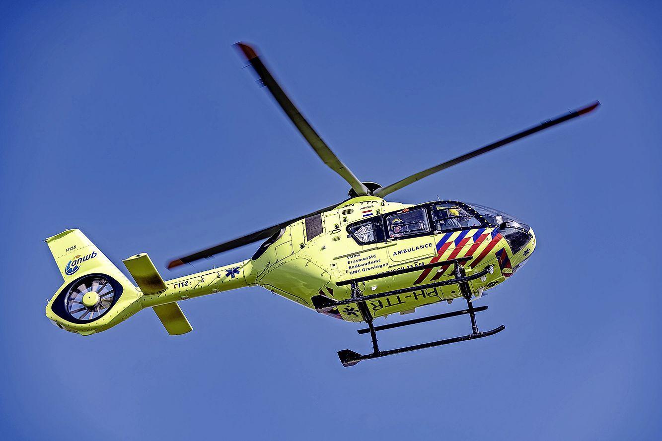 Gewonde man meldt zich bij door pandemie gesloten eerste hulp van Spaarne Gasthuis in Haarlem, ambulance brengt hem naar ander ziekenhuis