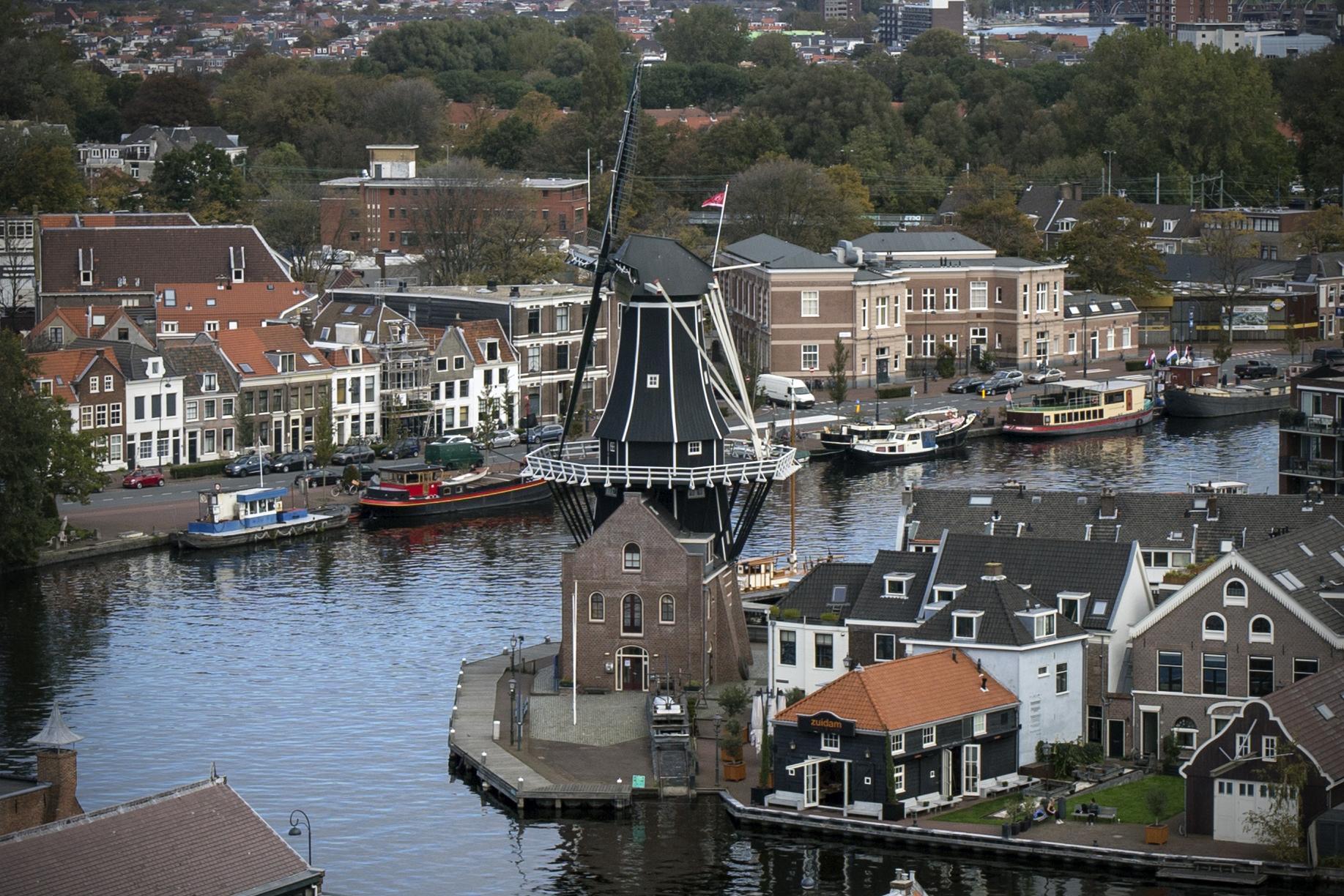 Bezoekcijfers molen De Adriaan in Haarlem door corona naar dieptepunt. Slechts vijfduizend bezoekers in plaats van 24.000