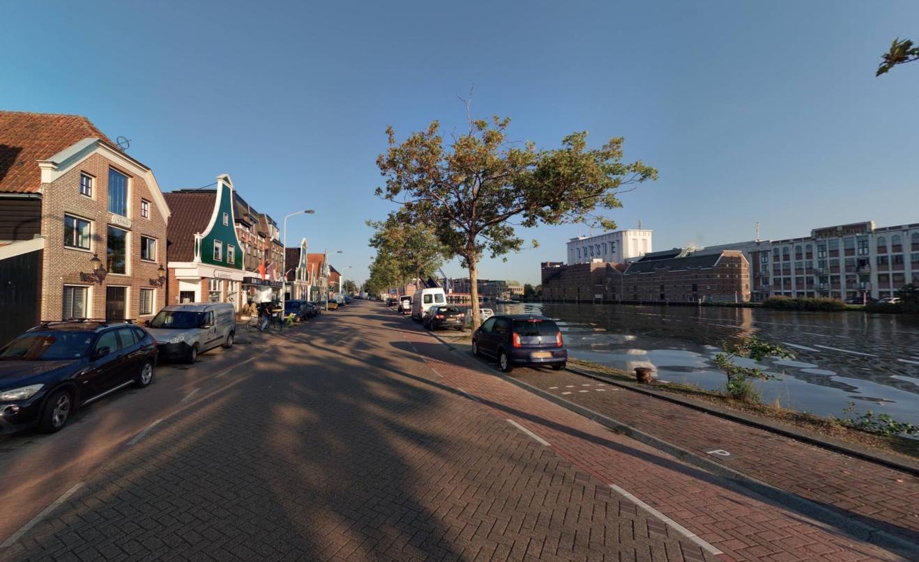 Bewoners Zaanweg in Wormerveer bang voor stank, schade en gevaar van tijdelijke brug