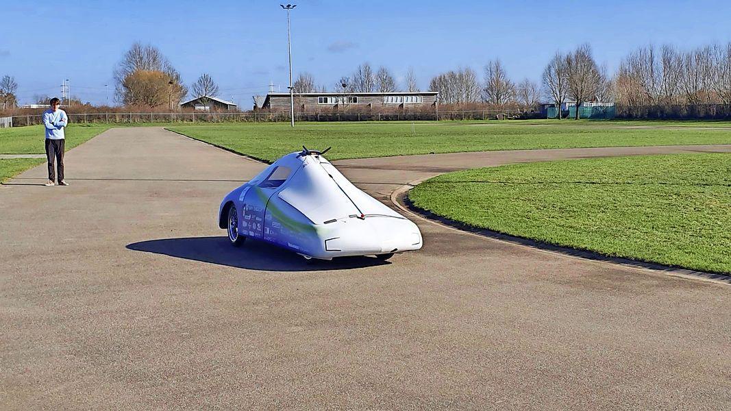 Skeelerbaan Leiderdorp helpt de wetenschap een stapje verder met futuristisch voertuig