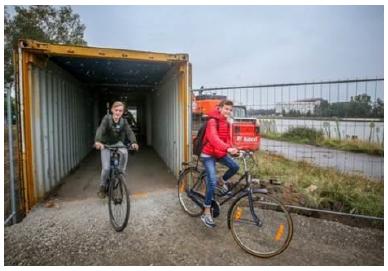 Speciale fietspassage op fietspad bij Holland op zijn Smalst