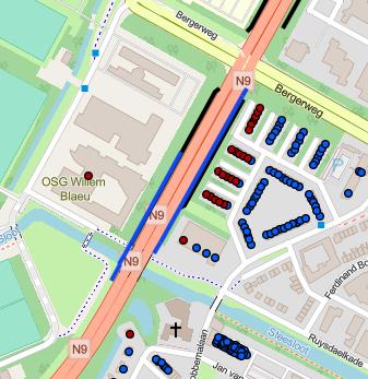 Extra geluidsschermen langs N9, tot wel vijf meter hoog; Rijkswaterstaat treft maatregelen om verkeersherrie bij woningen te beperken.
