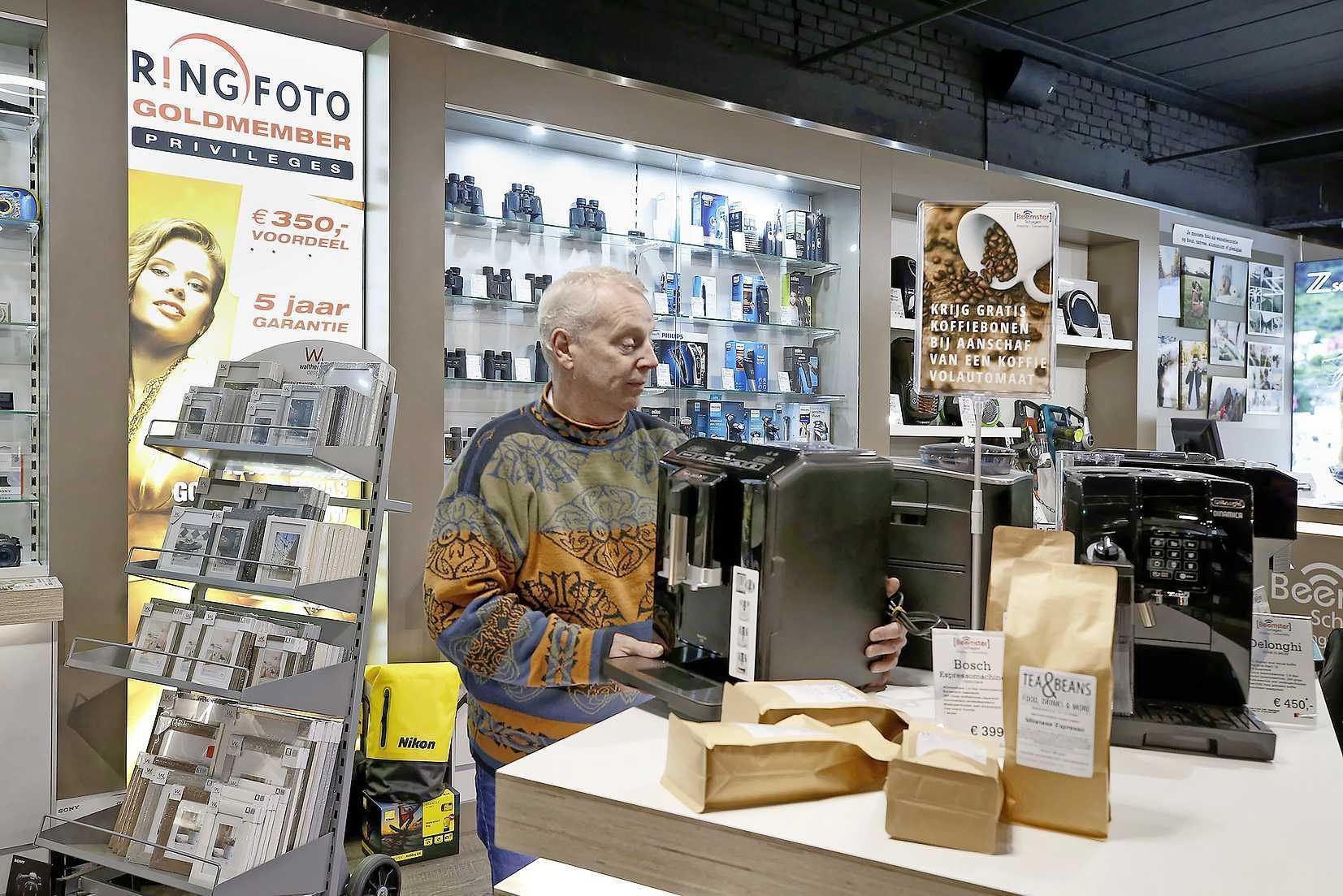 Versoepelingen: klant kan vanaf 10 februari bestelling afhalen, maar winkeliers zijn niet enthousiast. 'We schieten hier weinig mee op'