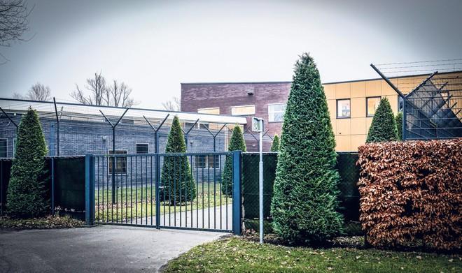 Langere dwangverpleging voor tbs'er die in Nieuw-Vennep drie mannen neerstak