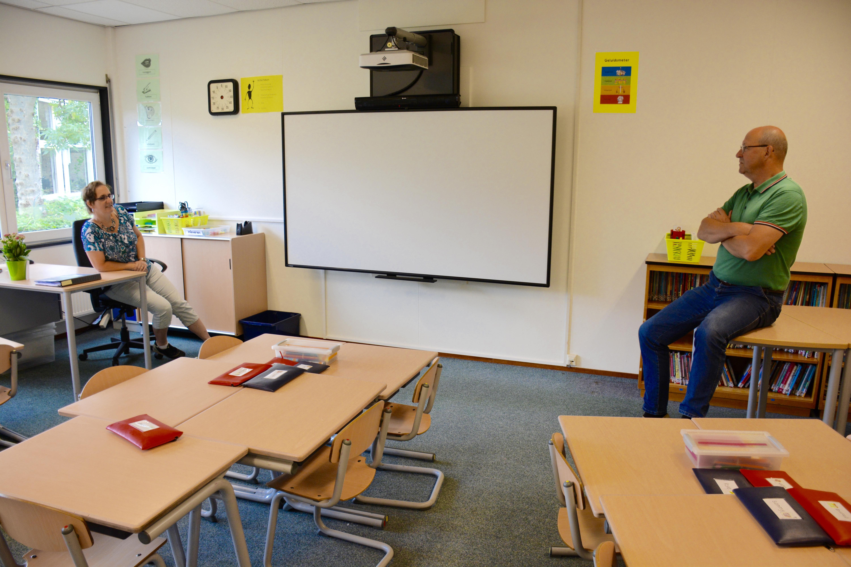 Eerste schooldag op fusieschool de Klimboom in Roelofarendsveen