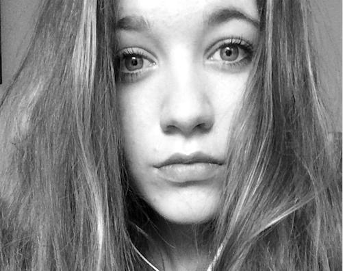 Dascha-team fileert politieonderzoek; familie van op het spoor bij Hilversum overleden meisje vraagt om nieuw onderzoek